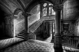 727-architecture-interior-old-dirty
